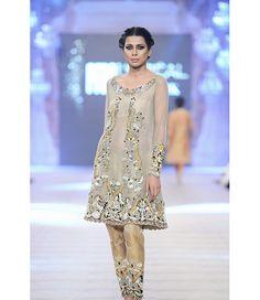 d2378e302b Ammara Khan | Fashion Pakistan | Ammara Khan on Secret Closet Pakistan  Fashion Week, Classic