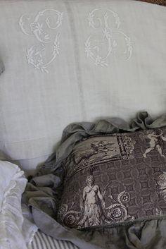 Antique Fabric | Trouvais | Page 2