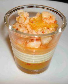 Crevetten-Zitrus-Salat mit Sauerrahmmousse und Orangen-Chili-Gelee
