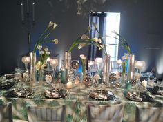Neil Leeson Decor Floral's calla & silver tablescape Pixel, Design Show, Tablescapes, Glass Vase, Wedding Flowers, Anniversary, Wedding Inspiration, Floral, Holiday