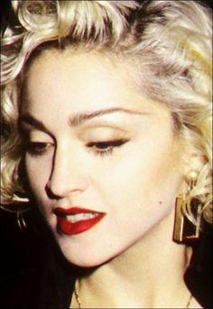 Madonna Madonna Rare, Lady Madonna, Madonna 80s, Divas Pop, Madonna Looks, Best Female Artists, Madonna Pictures, Cindy Williams, Mtv Videos