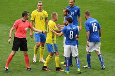 Mikael Lustig of Sweden and Giorgio Chiellini of Italy in dissagreament during the UEFA EURO 2016 Group E match between Italy and Sweden at Stadium Municipal on June 17, 2016 in Toulouse, France.