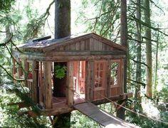 Modern Tree House Designs Bring Back Romantic Backyard Ideas
