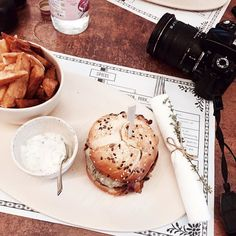 Legendary Burger at FatMama Eatery  #theritravels #budapest #nomnom #style #hungary #mystyle #travel #travelwithme #lifestyle #holiday #love #city #travelingram #dailydose #instagood #instanom #igdaily #ighungary #igmasters #travelblogger #ontour #instatravel #pictureoftheday #instamoment #burger #party by theriswardrobe_com