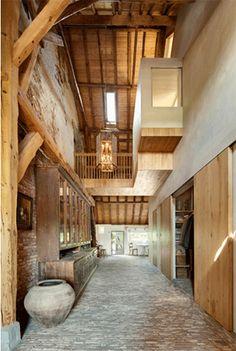 wohnen in der scheune mal den palast ins dorf lassen 12 pinterest alte scheunen. Black Bedroom Furniture Sets. Home Design Ideas