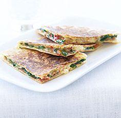 Grilled Prosciutto, Fontina & Sun-Dried Tomato Sandwiches - Sandwiches are a great supper year-round. Try these sandwiches with La Quercia Prosciutto Americano!