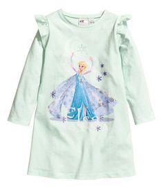 Elegant Nachthemd aus weichem Baumwolljersey mit Frontdruck Modell mit schmalem Schultervolant und langen rmeln