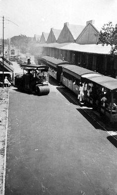 De Oedjongweg krijgt een nieuwe 1910-1935 (Collectie Tropenmuseum)
