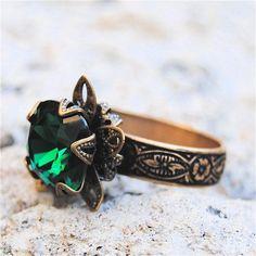 Vintage Emerald Ring Swarovski Crystal Emerlad Green Ring Victorian Stargazer Antique Brass Adjustable Ring Mashugana