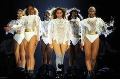 Beyoncé inicia 'Formation World Tour' com superprodução em Miami https://angorussia.com/cultura/musica/beyonce-inicia-formation-world-tour-superproducao-miame/