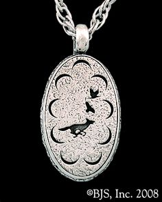 Mat Cauthon's Signet Necklace, Fox Chasing Ravens, from Robert Jordan's Wheel of Time - Officially Licensed Jewelry