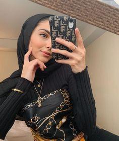 Modest Fashion Hijab, Modern Hijab Fashion, Muslim Women Fashion, Street Hijab Fashion, Hijab Fashion Inspiration, Modest Outfits, Celebrity Style Casual, Hijab Fashionista, Photos