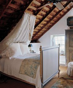 Twin Loft Bed With Desk And Storage moreover A Garden House Or A Lake Cottage besides 08 further Kids Loft Beds With Storage furthermore Wood Loft Beds With Desk And Storage. on most smallest bedrooms