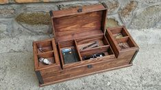 Large wooden valet box , reclaimed wood keepsake box , jewelry and watch box in rustic style Beautiful creation han Rustic Jewelry, Wooden Jewelry Boxes, Mens Valet, Wooden Watch Box, Wood Watch, How To Antique Wood, Wood Boxes, Keepsake Boxes, Rustic Style