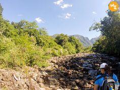 Sinta a energia pura e intocada no interior do Cânion Malacara no estado de Santa Catarina. É uma trilha de nível moderado a avançado que vale a pena conhecer.  http://www.marolacomcarambola.com.br/trilha-no-interior-do-canion-malacara/