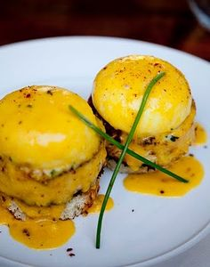 Literally one of my favorite meals ever: crab cake benedict.