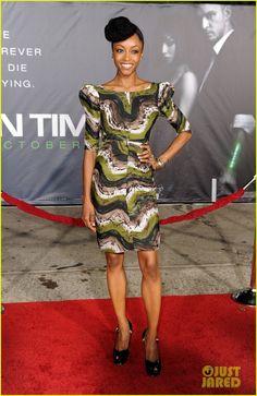 this print. Yaya Dacosta, Peplum Dress, Bodycon Dress, Natural Hair Styles, Long Hair Styles, African Fashion, African Style, Mode Inspiration, Fashion Inspiration