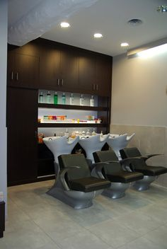 Salons and coiffures on pinterest for Mobilier salon design