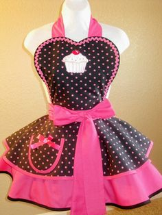 Hot Pink Polka Dot Cupcake Apron by on Etsy Polka Dot Cupcakes, Cute Cupcakes, Retro Apron, Aprons Vintage, Cute Aprons, Flirty Aprons, Sewing Aprons, Pink Polka Dots, Sewing Crafts