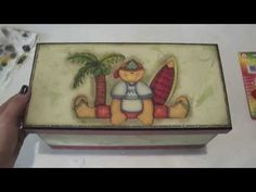 Video-Aula:Porta DVD Meninos By Livia Fiorelli - YouTube