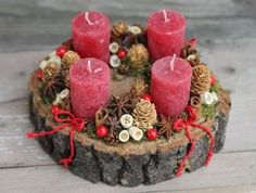 this is lovely - could be modified for advent wreath Christmas Advent Wreath, Christmas Candles, Christmas Centerpieces, Rustic Christmas, Xmas Decorations, Winter Christmas, All Things Christmas, Christmas Holidays, Christmas Crafts