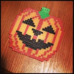 Halloween Jack-o-lantern pumpkin perler beads by mockingjay23 am