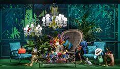 バカラ創設250周年を記念して、6月21日(土)まで、パリ・プランタンの6つのショーウィンドウが、「旅人のアパルトマン」をテーマとしたディスプレイで、話題となっている。