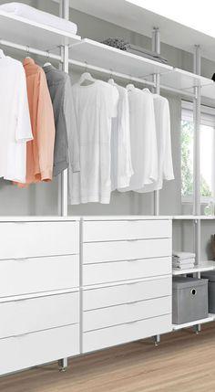 Kleiderschrank in weiß – deckenverspannt