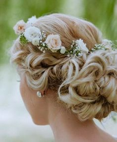 flowery wedding hair
