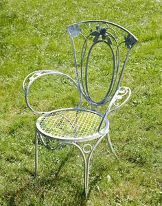 Durable and classic, vintage iron furniture is built to last. Iron Patio Furniture, Wicker Furniture, Garden Furniture, Outdoor Furniture, Vintage Patio, Wrought Iron Patio Chairs, Metal Chairs, Garden Table And Chairs, Iron Table