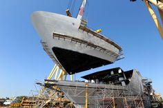 Posa in Fincantieri del blocco di prua di Costa Diadema, futura ammiraglia di Costa Crociere.