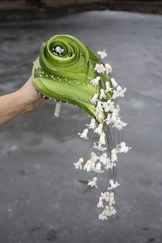 Artist Florist Laura Belabrovik