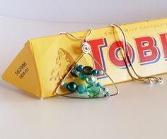 The Beading Gem's Journal: How to Make Triangle or Triangular Jewelry Tutoria...