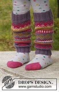 "Fideli leg-warmers / DROPS Children - Free knitting patterns by DROPS Design Knitted DROPS leg warmers in ""Merino Extra Fine"" with jacquard pattern. Animal Knitting Patterns, Knitting Designs, Knitting Projects, Crochet Patterns, Knitting For Kids, Knitting Socks, Free Knitting, Baby Knitting, Crochet Leg Warmers"