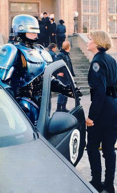 From my personal collection. Star Ficcion magazine 1991 RoboCop and Anne Lewis (Peter Weller & Nancy Allen) in RoboCop 2