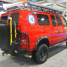 United States Search and Rescue Sportsmobile with Aluminess gear  .  .  .   CHRISCOP19 on picssr.com   #Ford @ford #econoline   #aluminess @aluminess   #sportsmobile #4x4sportsmobile @sportsmobiles #sportsmobiles #vanlife #4x4van #glamping #campervan @sportsmobilewest #sportsmobilewest #4x4rv #4wdvan #offroad #offroadvan #offroadrv #offroading #overland #overlanding #sportsmobile4x4 4x4 Camper Van, 4x4 Van, Rv Campers, Van Camping, Camping Gear, Ambulance, Ford E250, Motorcycle Camping, Cargo Van