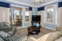 Market Street Inn 448 at Sandestin Miramar Beach (Florida) Set 10 km from Emerald Coast Centre in Destin, this air-conditioned apartment features free WiFi. Guests benefit from balcony. Free private parking is available on site.  The unit is fitted with a kitchen.