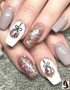Special nail art designs that stimulate your winter mood - nail design & nail . - Special nail art designs that stimulate your winter mood – nail design & nail art - Cute Christmas Nails, Xmas Nails, New Year's Nails, Christmas Nail Art Designs, Winter Nail Designs, Holiday Nails, Christmas Design, Christmas Makeup, Christmas Decorations