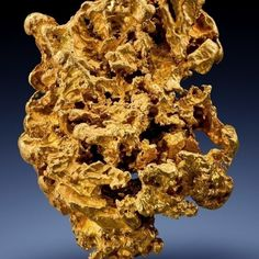 <div>Pure gold is soft and is usually alloyed with other metals, such as silver, copper, platinum or palladium, to increase its strength. Gold alloys are used to make jewelry, decorative items, dental fillings and coins. Gold is a good conductor of heat and electricity, and does not tarnish when it is exposed to the air, so it can be used to make electrical connectors and printed circuit boards.</div><div>