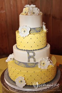 Yellow and Gray wedding cake. Photo by: kentuckystudio.com