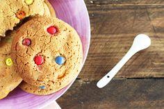 Cookies con lacasitos http://cakepuntcom.blogspot.com.es/2015/04/cookies-blandas-con-lacasitos.html