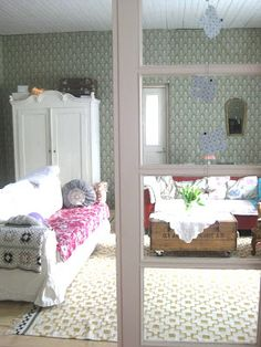 siltakulma blogista Living Spaces, Living Room, Toddler Bed, Shabby Chic, Bridge, Corner, Bohemian, Decor Ideas, Inspiration