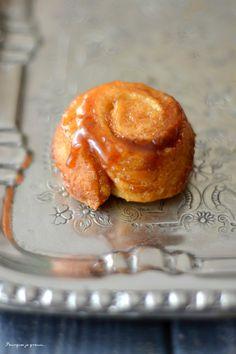 Orange, cinnamon & pecan sticky buns ! - Spirales briochées caramélisées, orange, cannelle & noix de pécan.
