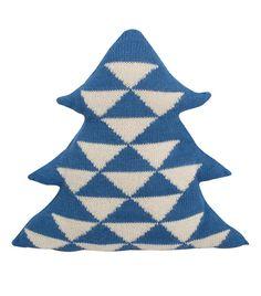 knit tree pillow