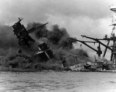 1941 / Pearl Harbour Saldırısı Japon İmparatorluk Deniz Kuvvetleri-nin 7 Aralık 1941 (Japonya saatiyle 8 Aralık 1941) sabahı Hawaii adalarının Oahu adasında bulunan Pasifik Filosu ve Pearl Harbor askerî üslerine karşı düzenlediği sürpriz saldırıdır. Operasyonun amacı, Büyük Okyanus-ta kuvvetle muhtemel olan bir Amerikan askeri müdahalesini önlemektir. Saldırı sonucu Japonlar, 12 Amerikan savaş gemisini ciddi şekilde hasara uğratmış veya batırmış ve 188 savaş uçağını imha etmiş, ve 2.403…