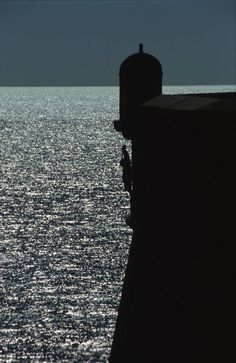 Shadows of Dubrovnik City walls : playfull reflections of sun, sea and lights