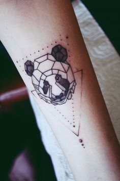 AnastasiZ VinneY(Анастасиз Винней): Не очень люблю минимализм, но он по своему интересен и хорош. Милая панда для Леры=3 Geometric shapes corners minimalism cute panda tattoo black sweet tumblr fashion панда геометрик тату татуировка