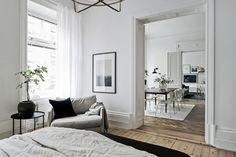 Simple and classy home - via coco lapine design swedish interior design, sw Swedish Interior Design, Swedish Interiors, Decor Interior Design, Interior Decorating, Interior Exterior, Interior Architecture, Deco Studio, Home Decor Bedroom, Home Fashion