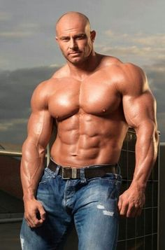Muscular Bloke Is Addicted To That Meaty Boner