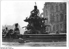 Januar 1950 Neptunbrunnen am Schlossplatz